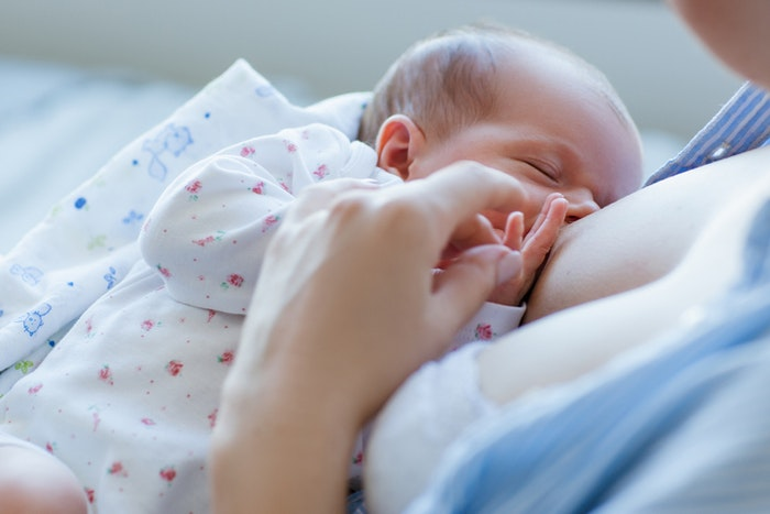 Is My Baby Getting Enough Breast Milk? image